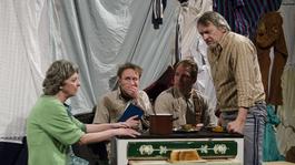 Így járt a Gólem Színház Lefitymálva előadása Izraelben