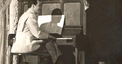 Pianínót keres a Színészmúzeum