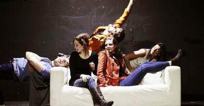 42.Színház: Elmarad a mai Mennyország hátulról