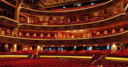 Ománban mutatta be A Csárdáskirálynőt az Operettszínház