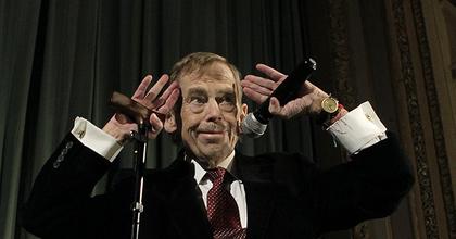 Václav Havelről neveznek el egy kis teret Prágában