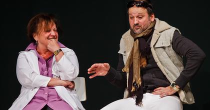 Csákányi Eszter és Thuróczy Szabolcs a Szkéné frankofón felolvasószínházában