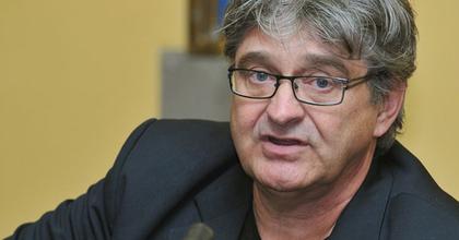 Dörner György vezetheti tovább az Újszínházat