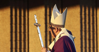 Cirkuszba hívott meg 2000 hajléktalant a pápa