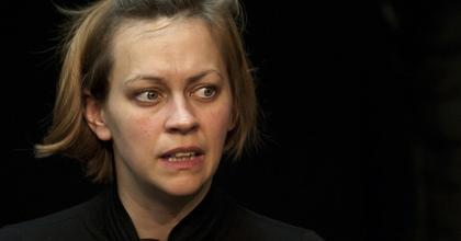 A Színházi Kritikusok Céhe nyilatkozatban állt ki Sárosdi Lilla mellett