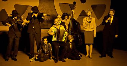 Amerikai turnéra indul Pintér Béla Titkaink című előadása