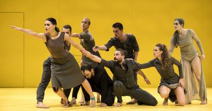 Requiem - Mozart zenéjére alkotott koreográfiát Barta Dóra