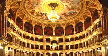 Marketing menedzsert és kommunikációs projektvezetőt keres az Opera