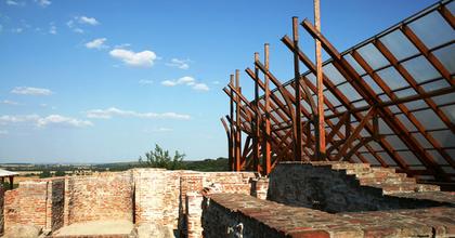 A kaposvári bencés apátság romkertjében is lesz színház a nyáron