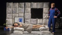 Kemény sorsok súllyal és humorral – Patkányok-bemutató a Szkénében