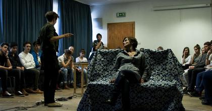 Kéksziget - Új színházi nevelési előadás a Kerekasztal műsorán
