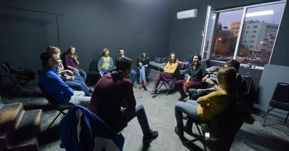 Folytatódnak az ESziK vagy isszák? színházi különórák Kolozsváron