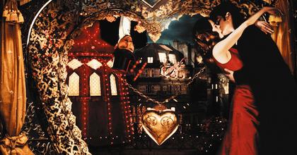 Színpadra kerül a Moulin Rouge! című film