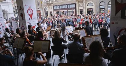 Palacsintával ünnepli az új évadot a Miskolci Nemzeti Színház