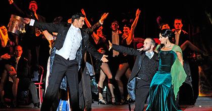 Az Operettszínház hazajár Bajára - Művészek meséltek