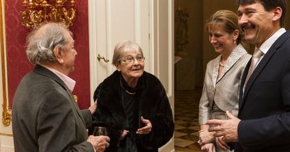 Törőcsik Marit és Makk Károlyt látta vendégül az államfő