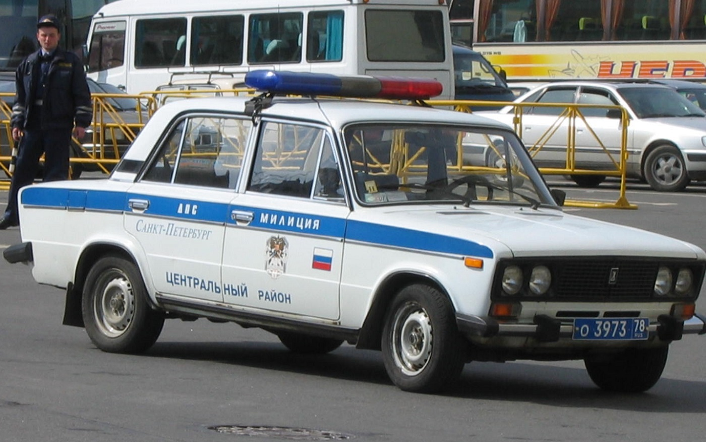 vaz-2106_police_car_in_saint_petersburg_russia.jpg