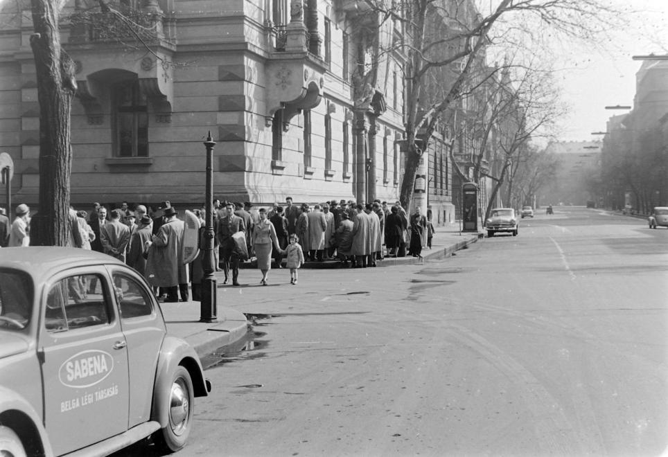 vw04_1959_szent-tamasi_mihaly_bp_alkotmany_utca.jpg