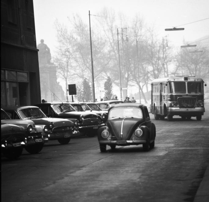 vw12_1964_dorottya_utca.jpg
