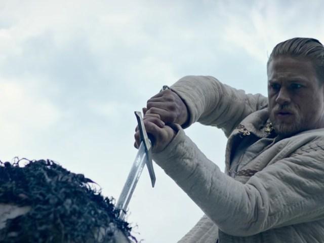 Vélekedés - Arthur király: A kard legendája