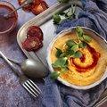 Krémes polenta aszaltparadicsomolajjal, napraforgó csírával