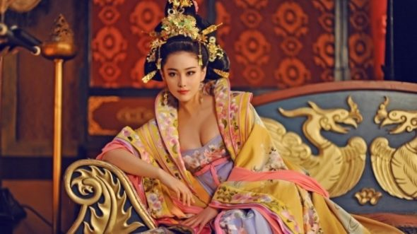 fan-bingbings-character-wu-zetian-from-the-empress-of-china-a-show-accused-of-historical-inaccuracies-590x331.jpg
