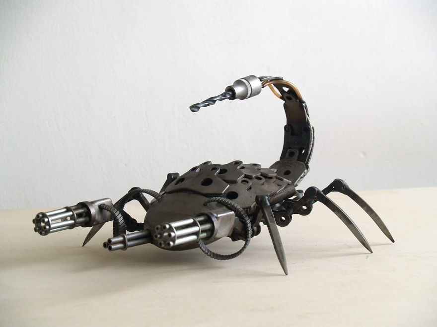 wonderful-sculptures-created-with-recycled-motorbike-parts-10_880.jpg