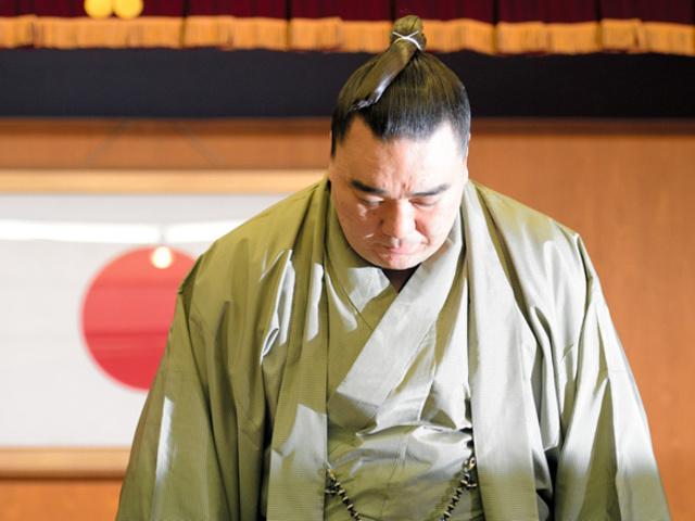 Harumafuji botrányos visszavonulása