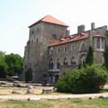 A vár és a várudvar