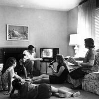 Tévézni ünnep- és vasárnap is lehet