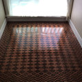 A nő, aki 13.000 darab Penny-vel újította fel régi padlóját