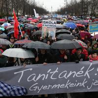 Lépnének a tanárok, de Orbánék már rég lefejezték a sztrájktörvényt