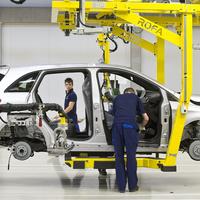 A magyar autóipar gazdaságunk domináns ágazata – De mi lesz, ha beüt egy válság?