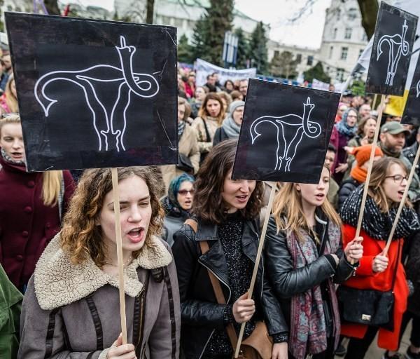 abortusz-lengyelorszag.jpg