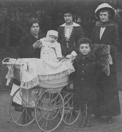 1914 Cristea Livi Schmidt Ducival és Tenzi Aigner Lacival 400.jpg