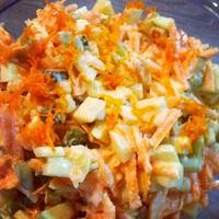 Sárgarépa, alma, csemege uborka saláta