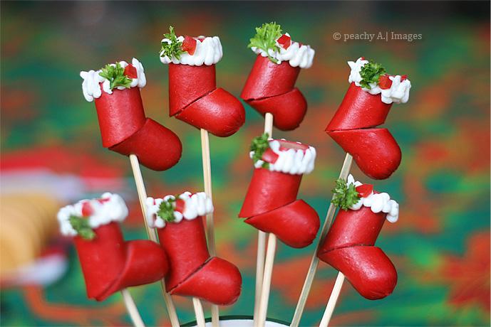 hot_dog_christmas_stockingsmikulas_csizma_virslibol_2.jpg