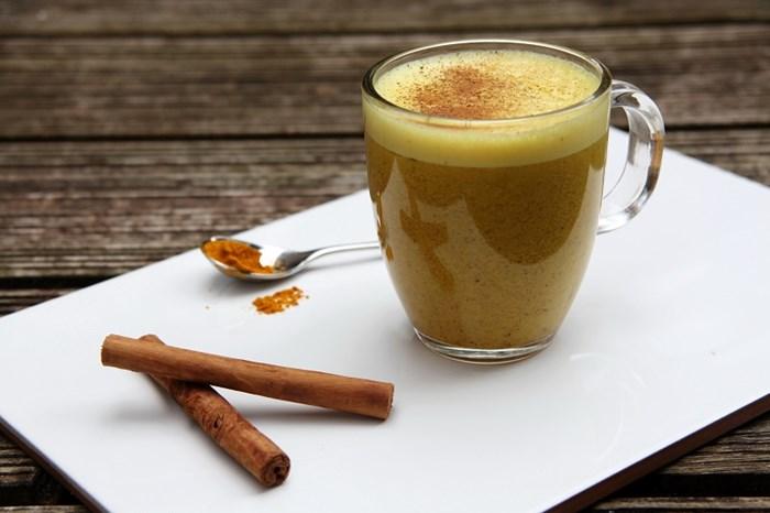itt_az_uj_reggeli_csodaital_receptje_kurkumas_latte_recept.jpg