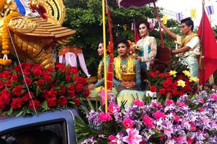 Songkran szépsége & rémsége