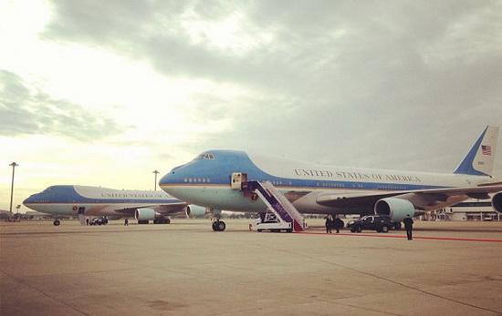 Obama_AirForceOne.jpg