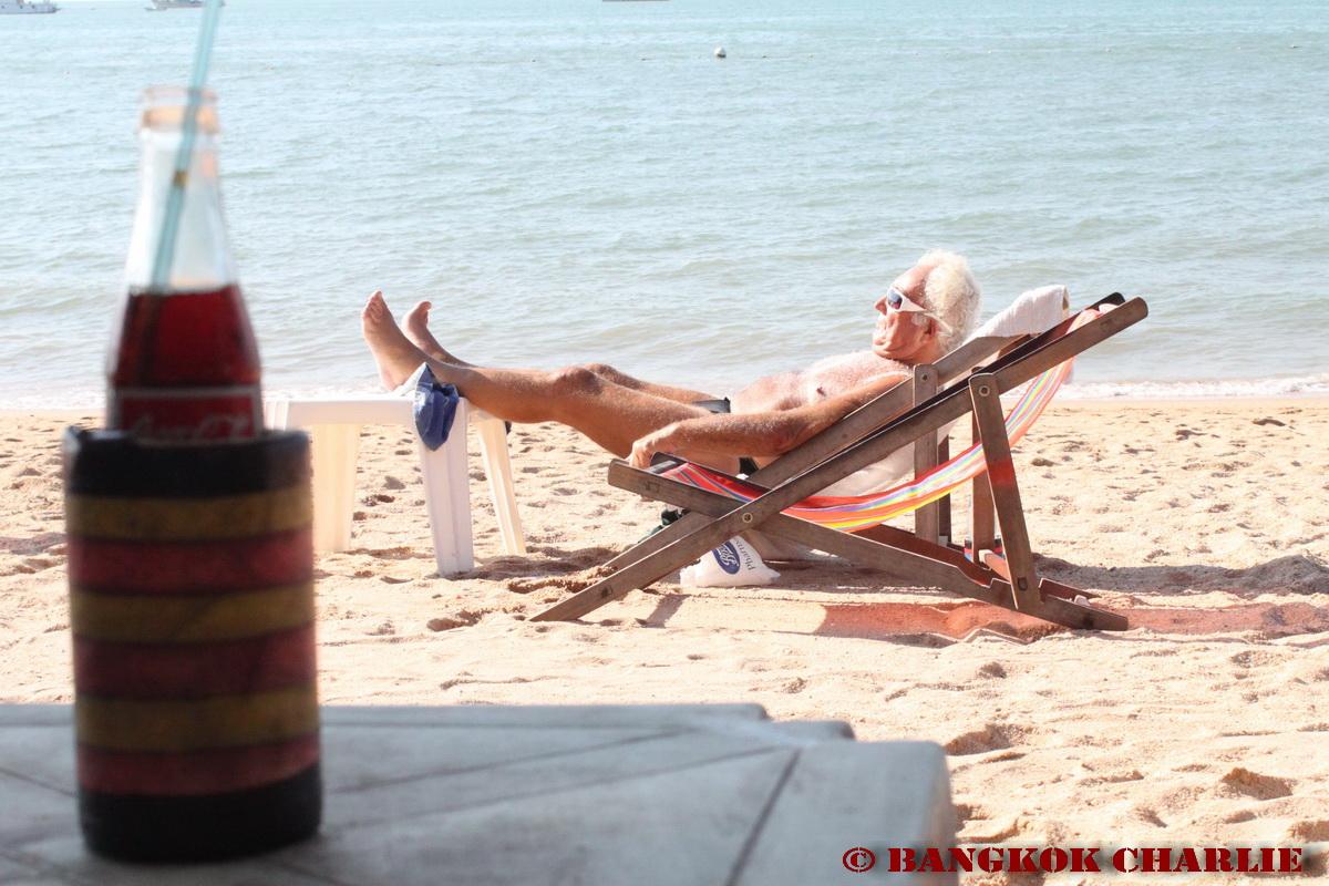 pattaya-beach_4408344860_o.jpg