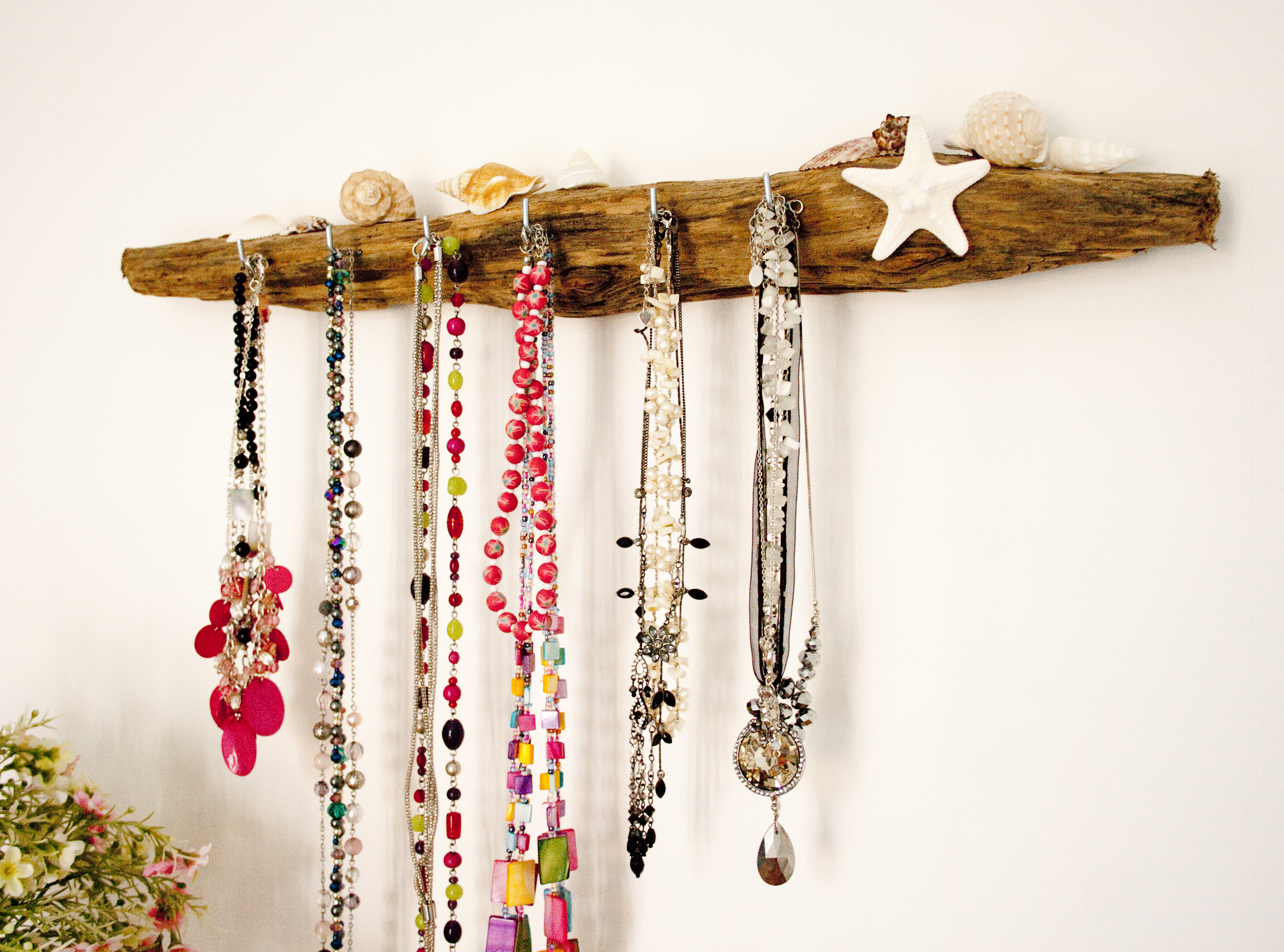 driftwood-jewellery-hanger-2.jpg
