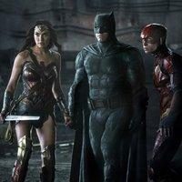 Wonder Woman, Batman és Flash újra együtt pózol
