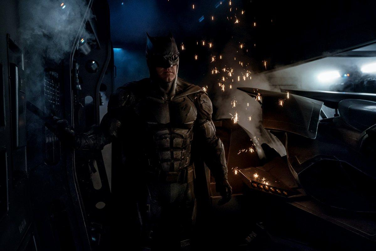 BRÉKING! Bemutatták Batman új ruháját!
