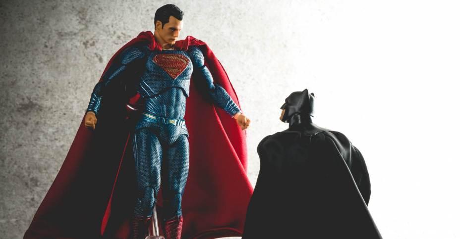 mafex-x-batman-v-superman-06-928x483.jpg