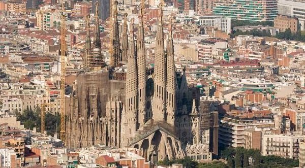sagrada_familia_barcelona_s57258820.jpg_1306973099