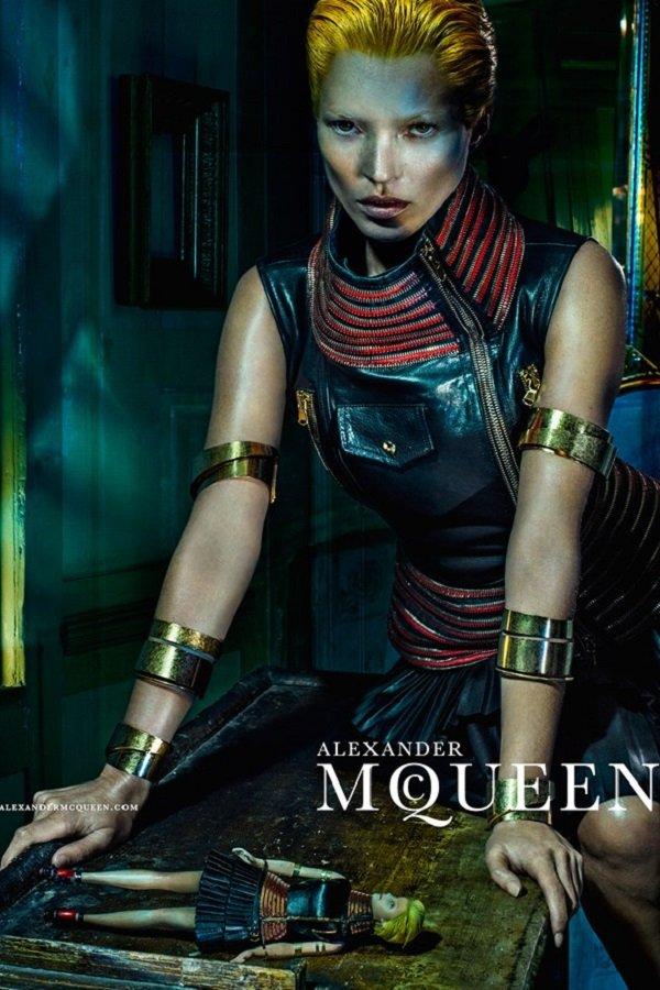 McQueen-Moss-6-Vogue-27Jan14-Steven-Klein_b_592x888