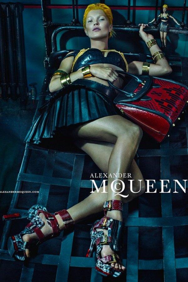 McQueen-Moss-8-Vogue-27Jan14-Steven-Klein_b_592x888