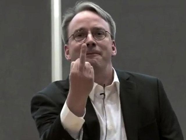 A Linux atyja keményen beleszállt az Intelbe a Spectre miatt