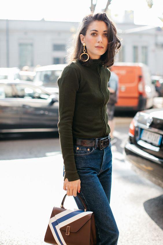 how-to-wear-hoop-earrings-like-a-fashion-blogger-big-hoops-earrings.jpg